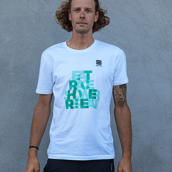BORA-HANSGROHE Tシャツ「EAT RACE SHOWER REPEAT」 ホワイト